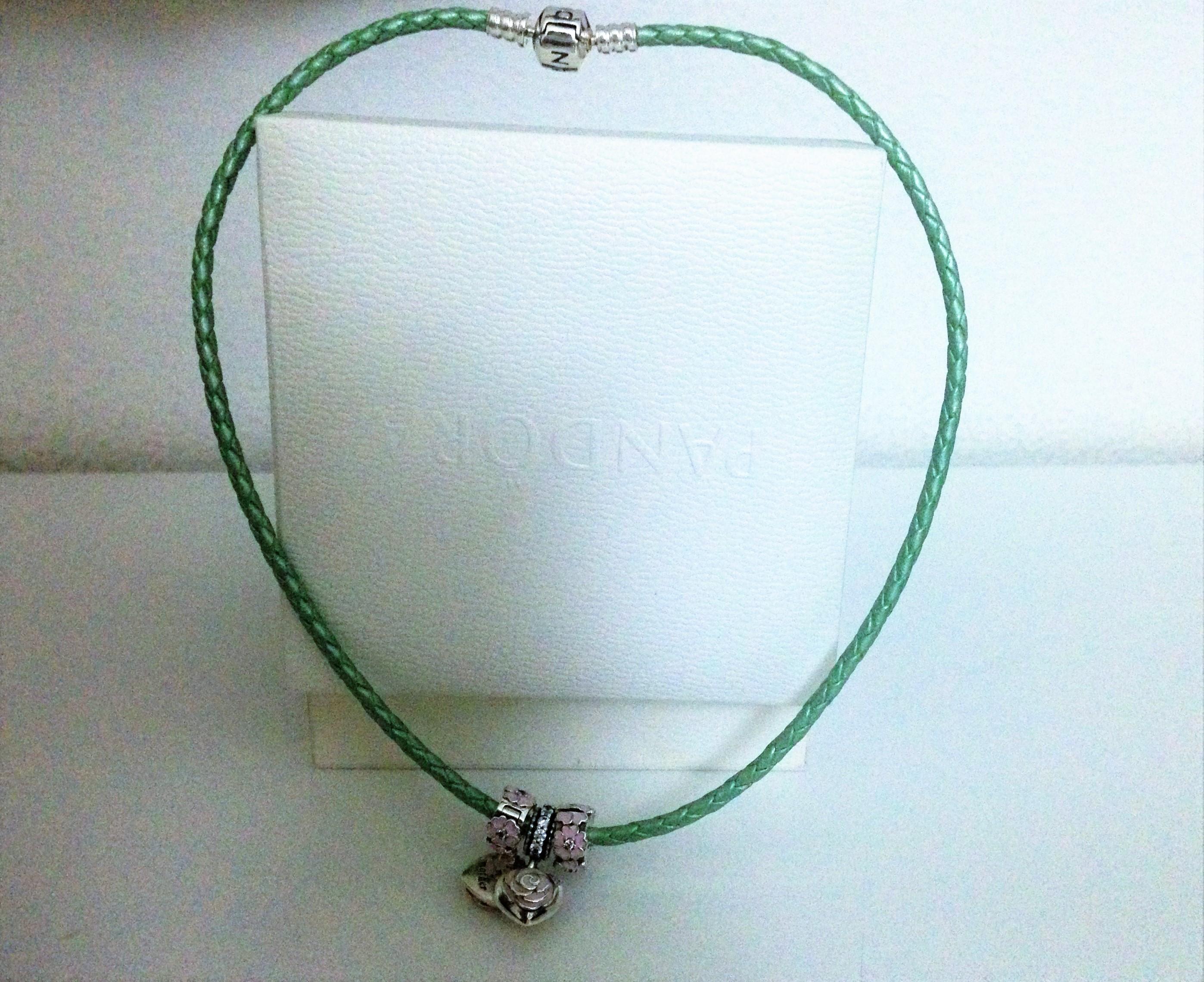 bracciale di pelle Pandora versione verde