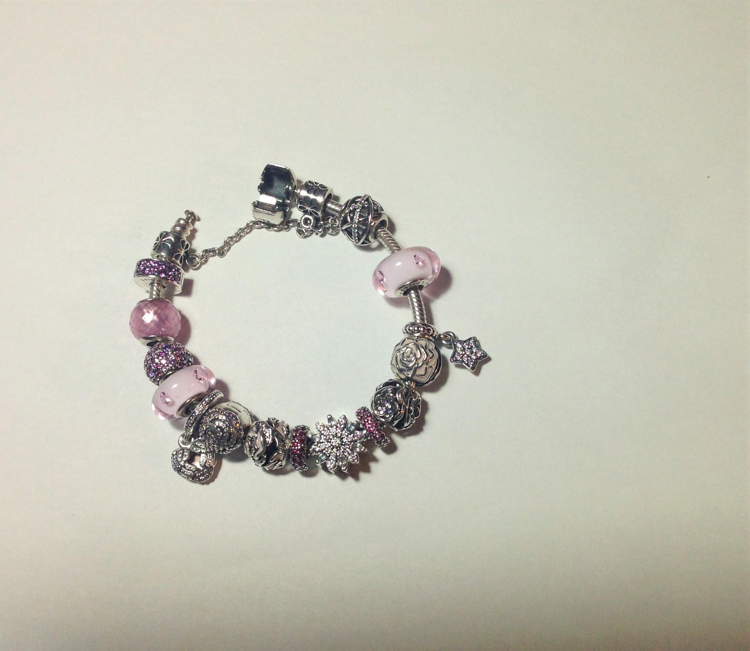 bracciale Pandora semirigido e semicompleto