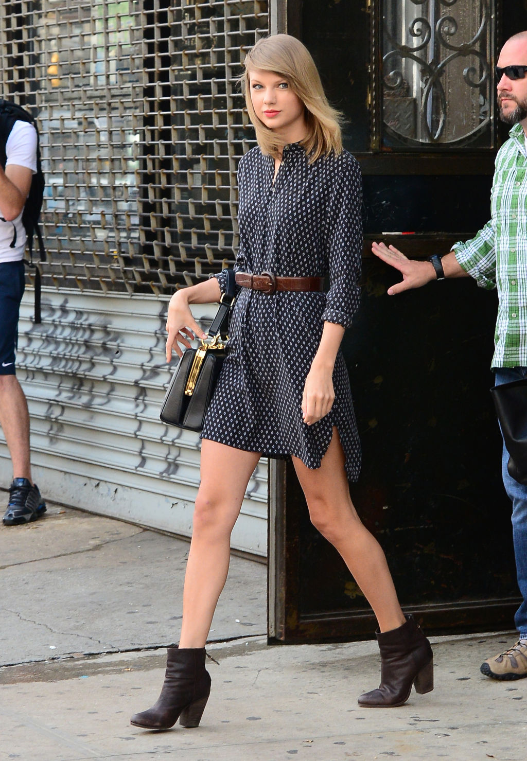 Ma non è tipo questo il vestito??
