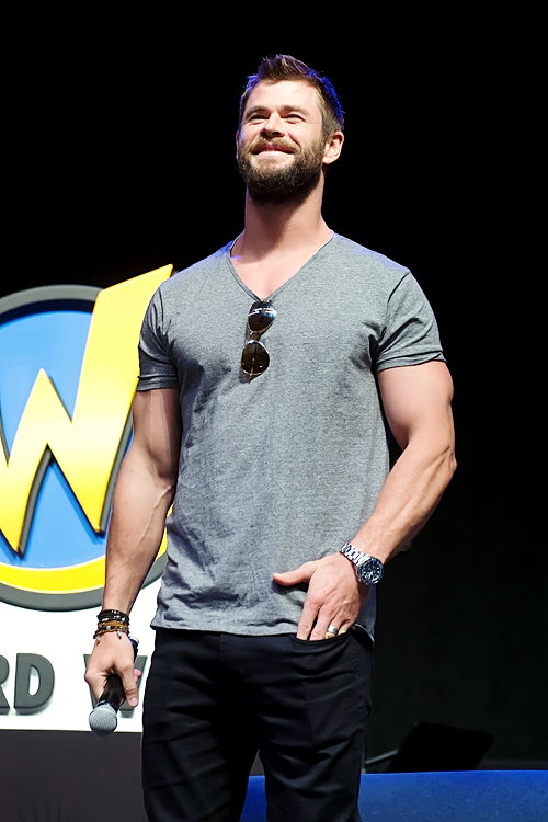 il fisico di Chris Hemsworth