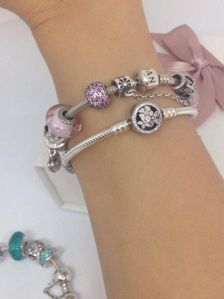 braccialetto pandora al polso